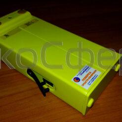 П3-41 - Индикаторный блок, входящий в комплект поставки измерителя СВЧ-излучений (вид сзади)