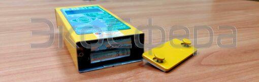 Питание П3-41 осуществляется от 2 аккумуляторных батарей типоразмера AA