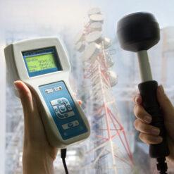 П3-33М - измеритель электромагнитных полей в действии