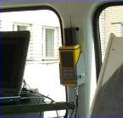 Пример крепления дозиметра-радиометра МКС-АТ1125 в передвижной лаборатории