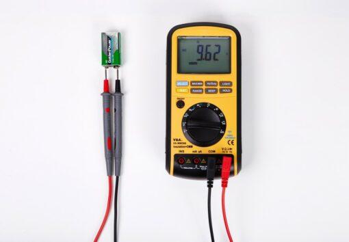 Мультиметр-мегаомметр VA-MM588 измерение напряжения